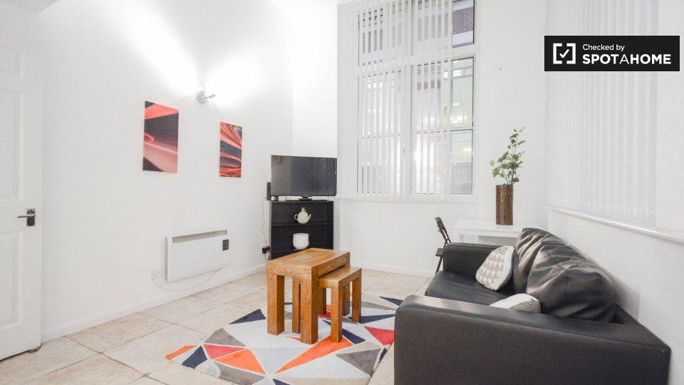 Apartment 4, Priory House, 6 Friar St, London EC4V 5DT, UK