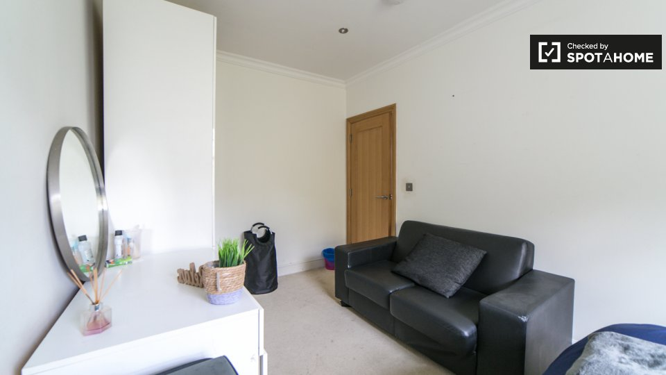 Flat, 20 Chilworth St, Paddington,