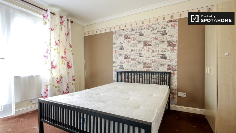 Plevna Cres, London N15 6DY, UK