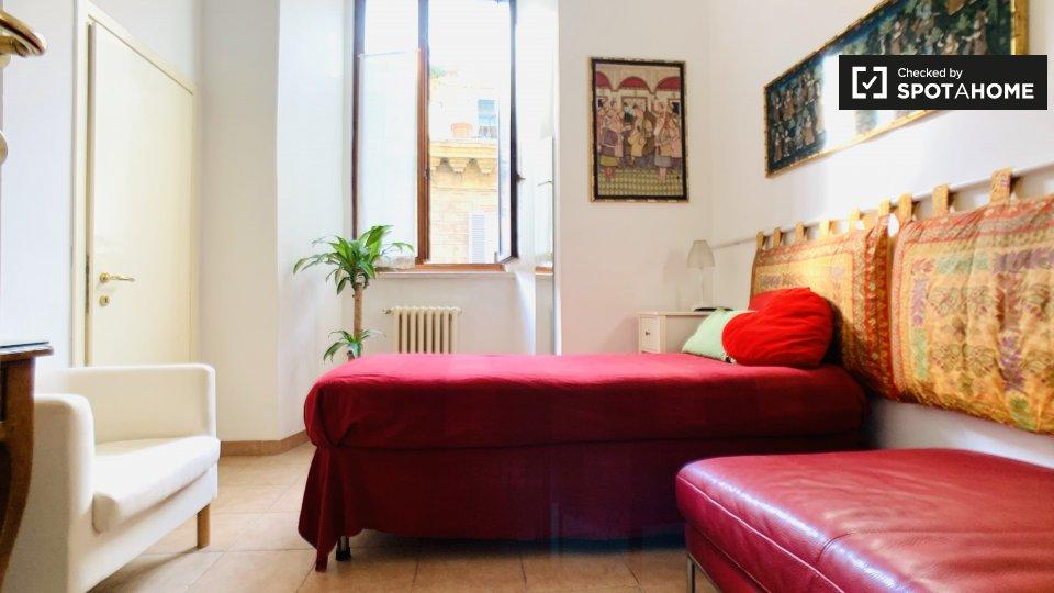 Via di Monserrato, 00186 Roma RM, Italy