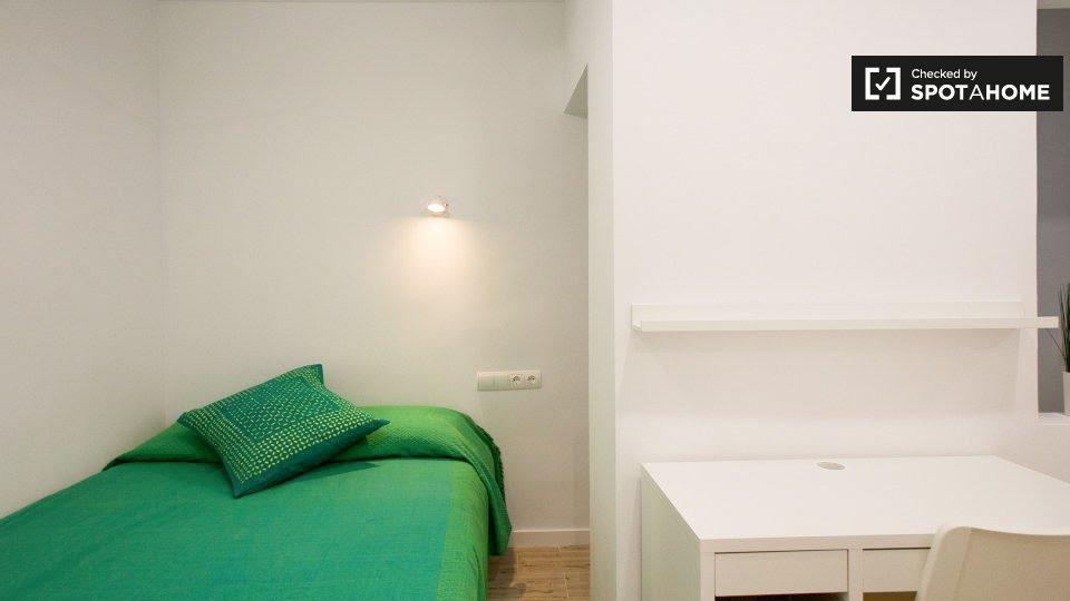 9 bedroom apartment