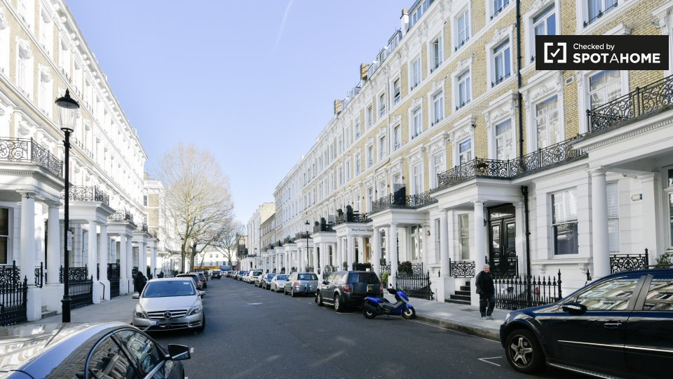 Flat, Grenbeck Court, 30-34 Trebovir Rd, Kensington, London SW5 9NL, UK