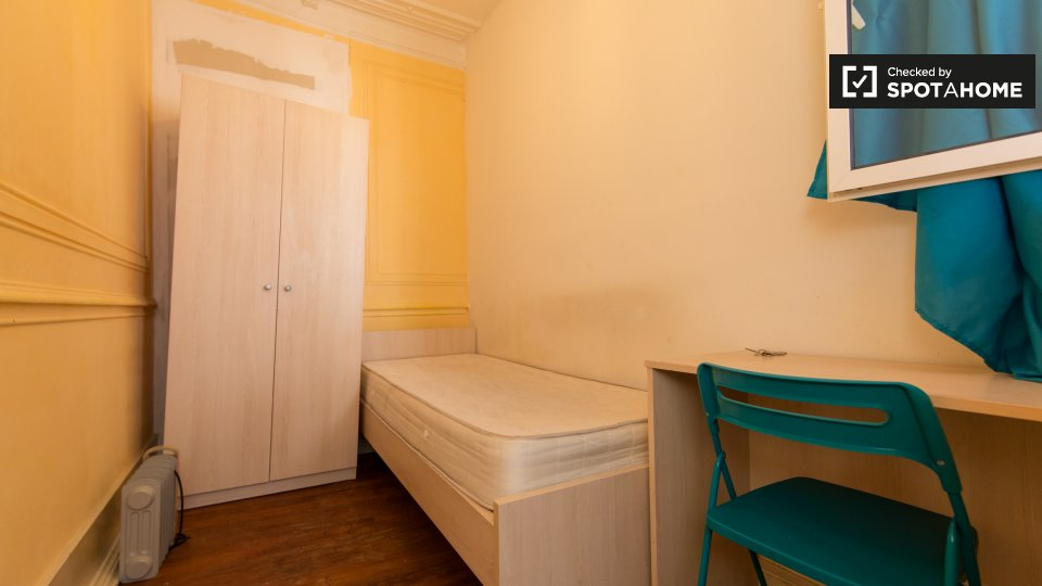 Appartamento arredato con 7 camere da letto, Avenidas ...