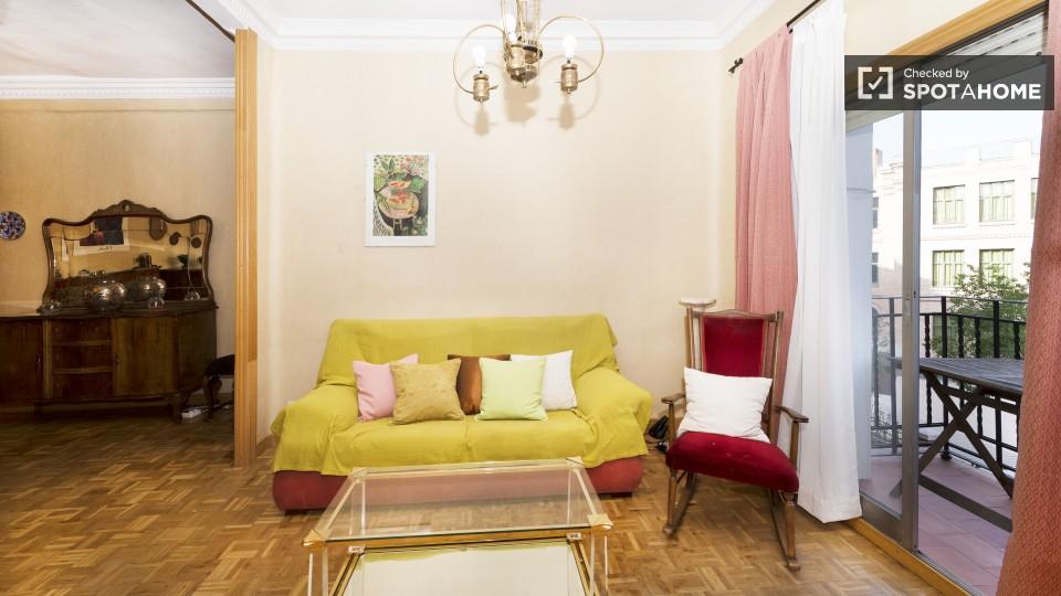 3 camere da letto vicino alla Puerta Atocha perfetto per un gruppo di studenti e professionisti che amano viaggiare