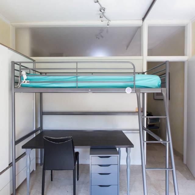 Nava Camere Da Letto.Camere In Affitto In Appartamento Con 3 Camere Da Letto In Isola
