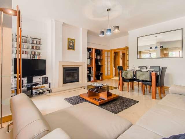 Apartamento de 3 quartos para alugar em Luz, Lisboa