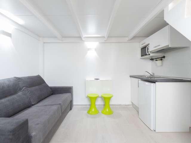 Minimalista apartamento en alquiler en Usera, Madrid.