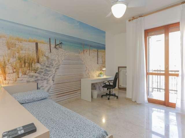 Bright room in 4-bedroom apartment in Barona, Milan