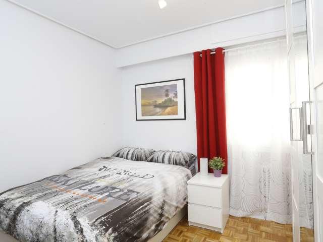 Bedroom in 5-bedroom apartment in Retiro, Madrid