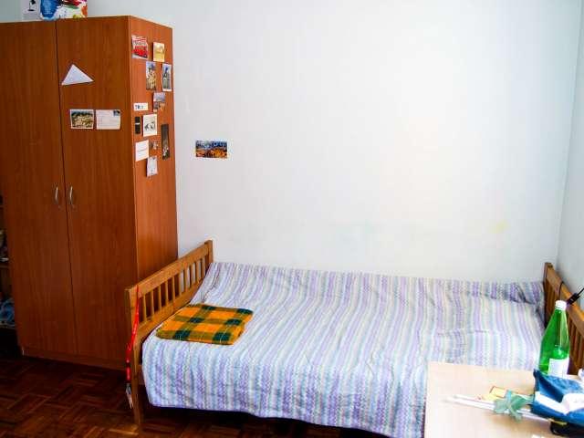 Bed in lovely apartment in Navigli, Milan