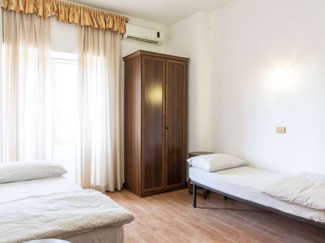 Room for rent in apartment with 5 bedrooms in Termini, Rome