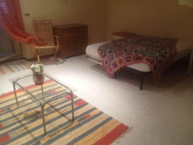 Camera da letto matrimoniale in affitto Appartamento con 3 camere da letto, Roma