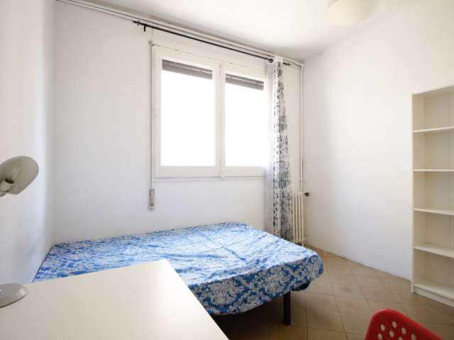 Decorated room in shared apartment in Eixample, Barcelona