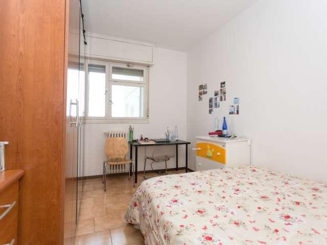 Room in 5-bedroom apartment in Gratosoglio, Milan