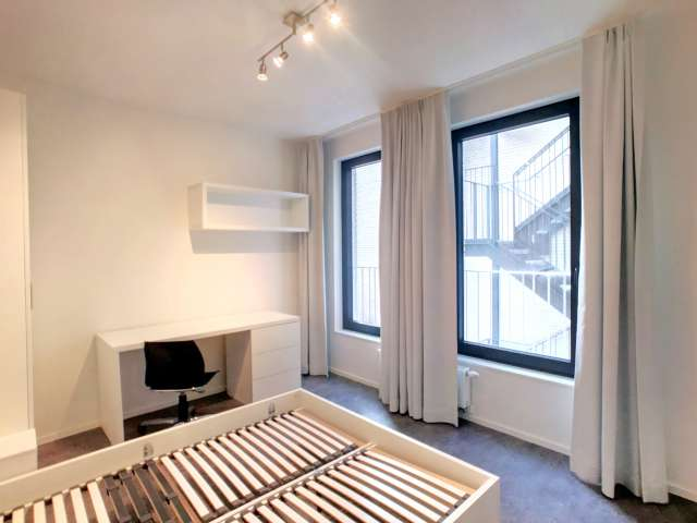 Furnished room in 4-bedroom apartment in Centre, Brussels