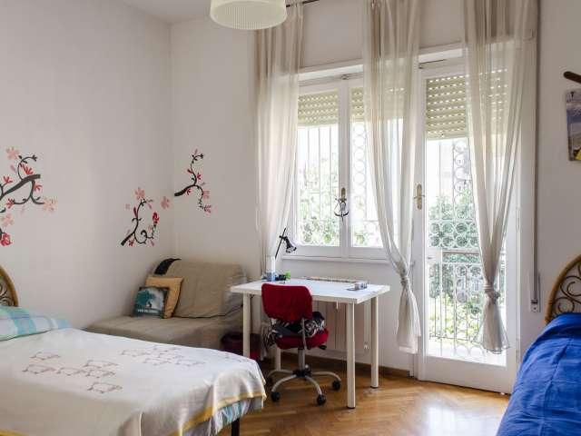 Chambre à louer dans un élégant appartement de 4 chambres près de EUR, Rome