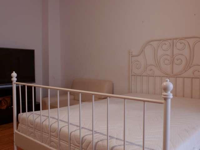 Zimmer mit Balkon in 2-Zimmer-Wohnung in Wittenau