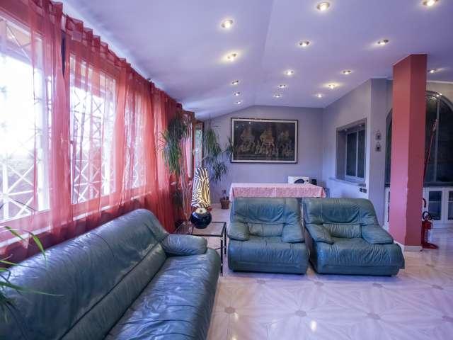 Appartamento con 2 camere da letto in affitto a Fioranello, Roma