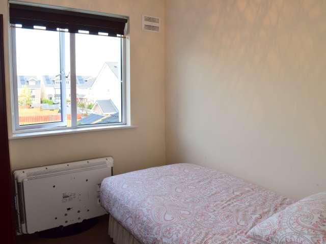 Cozy room in 3-bedroom house in Swords, Dublin