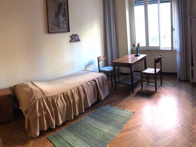 Room in 6-bedroom apartment in Parioli, Rome