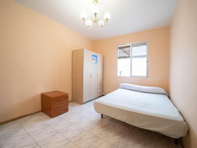 Alquilo habitación en piso de 4 camas en Malasaña, Madrid