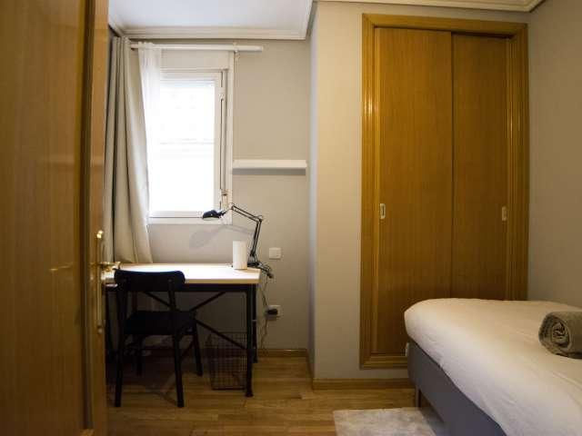 Habitación individual en alquiler, apartamento de 4 dormitorios, Centro, Madrid