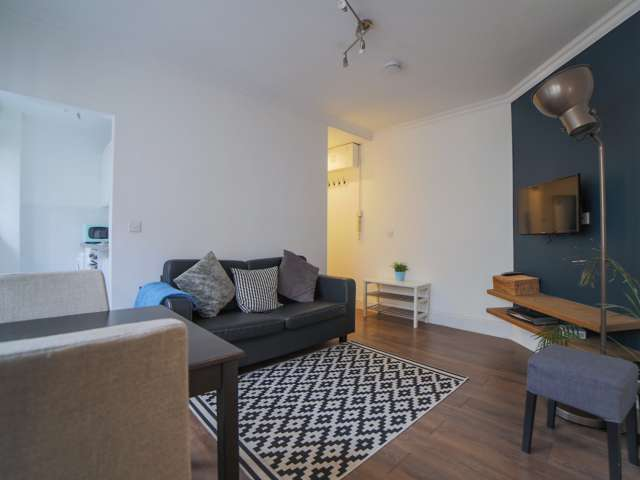 Stylish studio flat to rent in Soho, London