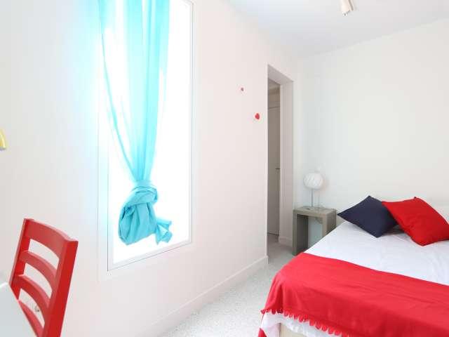 Schlafzimmer mit Balkon in 3-Zimmer-Wohnung, Tetuán, Madrid