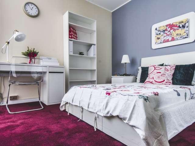 Camera in affitto in appartamento con 9 camere da letto a Isola, Milano