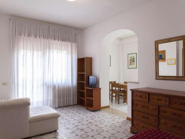Soleggiato monolocale in affitto a Balduina, Roma