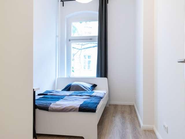 Zimmer in 2-Zimmer-Wohnung in Kreuzberg zu vermieten