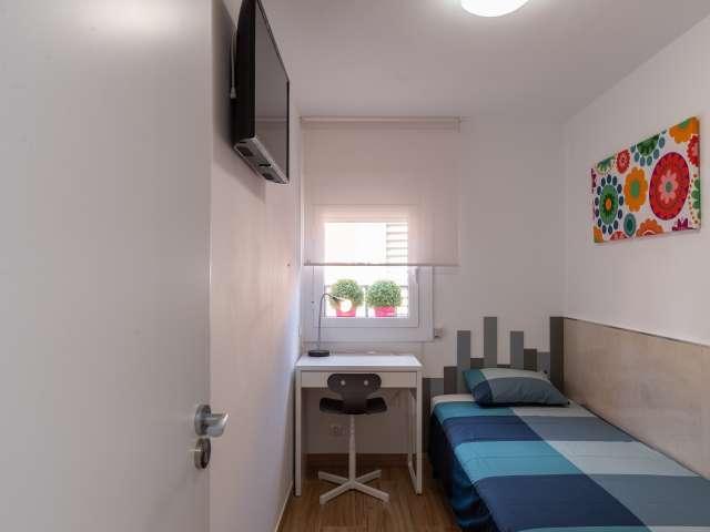 Cute double bedroom in Nou Barris, Barcelona