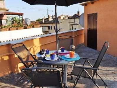 Ben arredato monolocale in affitto a Trastevere, Roma