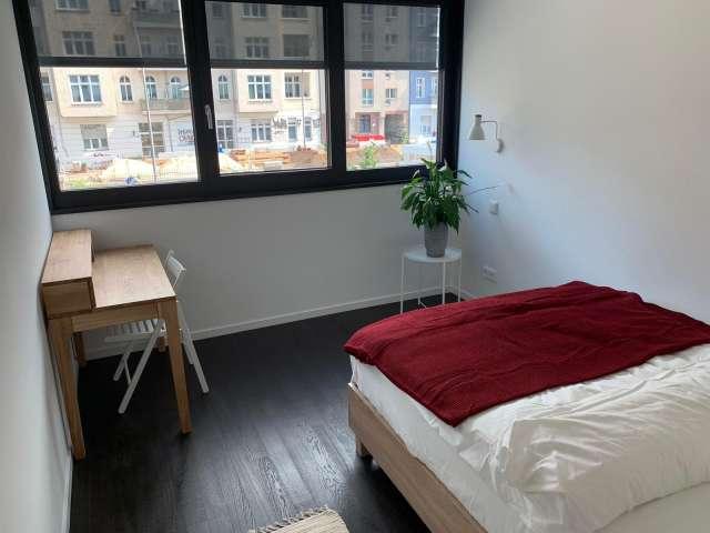 Zimmer in Wohngemeinschaft mit 3 Schlafzimmern Friedrichshain