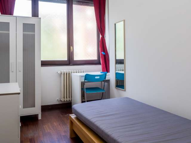 Single room in 2-bedroom apartment in Tortona, Milan