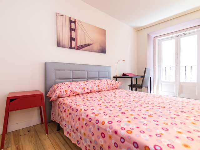 Habitación equipada en apartamento de 6 dormitorios en Centro, Madrid