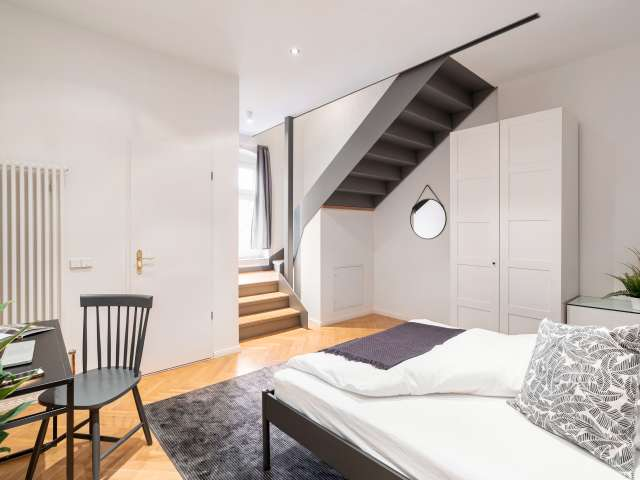 Zimmer mit eigenem Bad in einer Wohngemeinschaft in Berlin