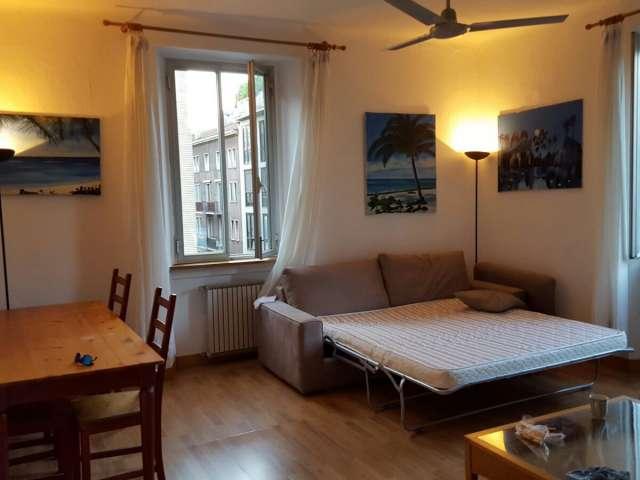 Room to rent in apartment with 3 bedrooms in Porta Venezia