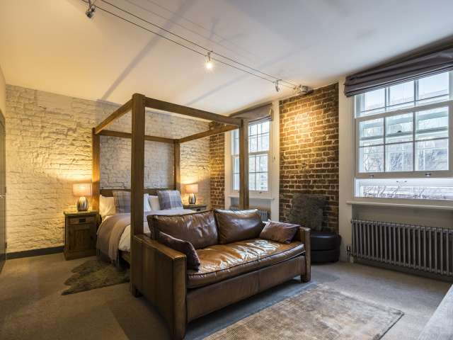 Studio apartment to rent in Farringdon, London
