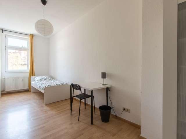 Geräumiges WG-Zimmer zu vermieten in Friedrichshain, Berlin