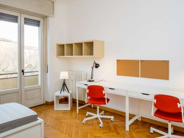 Shared-occupancy room in apartment in Zona Solari, Milan