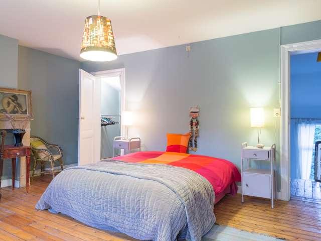 Up-to-date room in apartment in Schaerbeek, Brussels