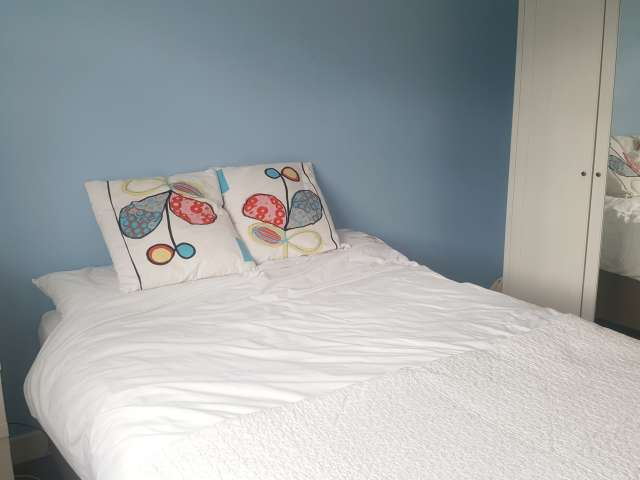 Bright room in 4-bedroom house in Kimmage, Dublin