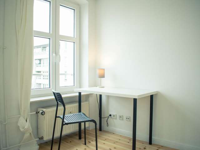 Zimmer in Wohnung mit 5 Schlafzimmern in Kreuzberg, Berlin