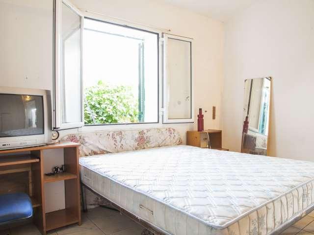 Appartamento con 2 camere da letto in affitto a Cecchignola, Roma