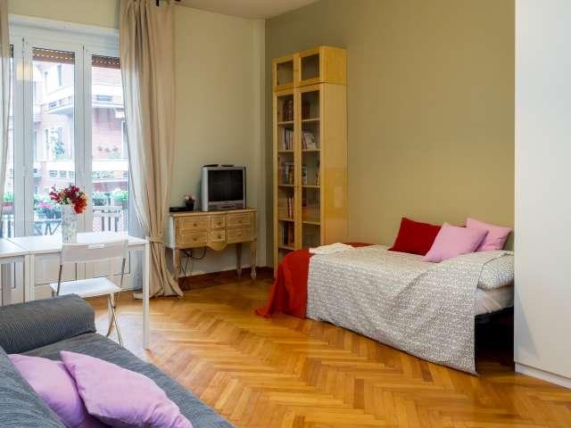 Spacious room in 2-bedroom apartment in Fiera Milano, Milan