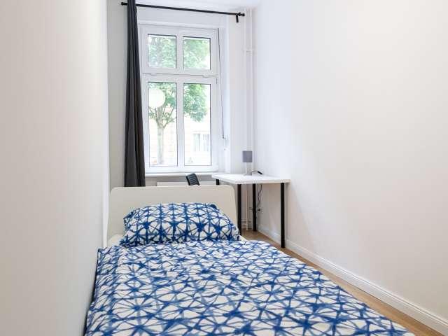 Modernes Zimmer in Apartment mit 5 Schlafzimmern in Treptow-Köpenick