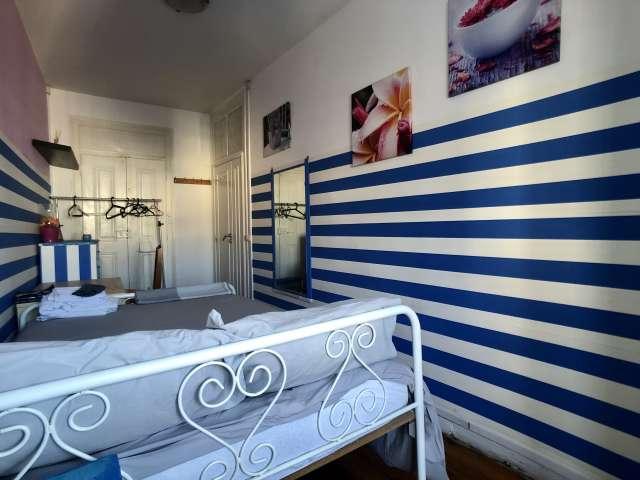 Quarto para alugar em apartamento de 4 quartos em Arroios, Lisboa