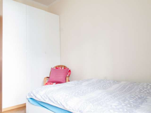 Furnished room in apartment in Stazione Centrale, Milan