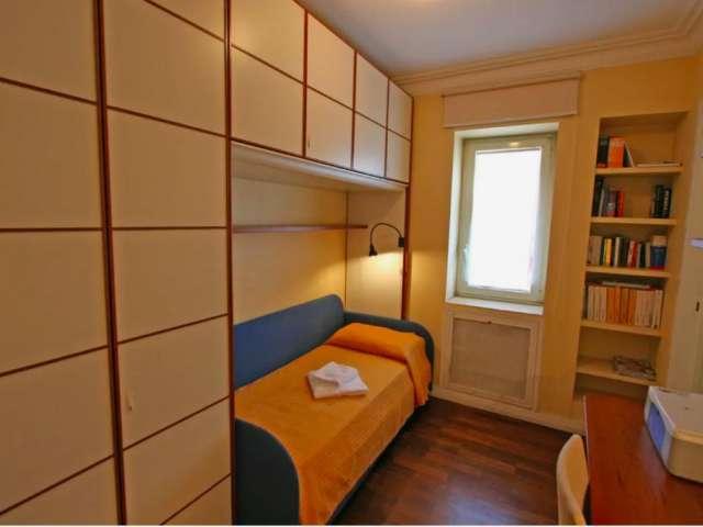 Stanza in affitto in Appartamento 2 camere da letto in Centro Storico, Roma